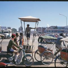 Morning Market : boy scout directing traffic