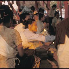 Detail : praying at Prabang