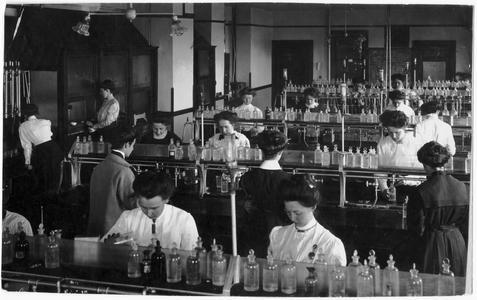 Household chemistry laboratory