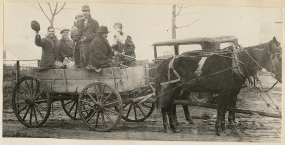 Wagon ride to the Sugar River bottom, near Belleville, Wisconsin, November 10, 1928 (AL second from left)