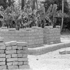 Building Adobe House in Lunsar