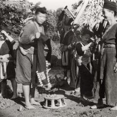 White Hmong women and girls in Houa Khong Province