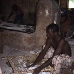 Man working with gari