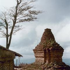Buddhist stupa at Chommok in Houa Khong Province