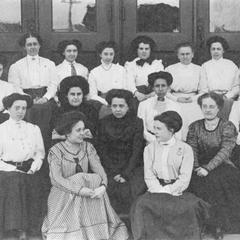 1900s women students