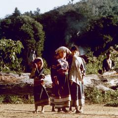 Five Yellow Lahu (Lahu Shi) females in Houa Khong Province