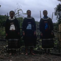 Ethnic Phuan girls