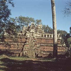 Phimeanakas : front