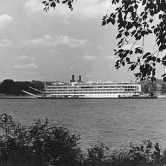 Mississippi Queen (Tourist boat, 1975- )