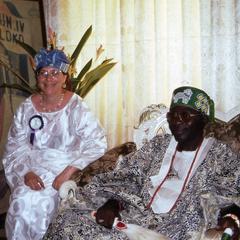 Trager and Oba Oladele Olashore at his palace