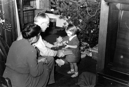 Aldo, Estella, and granddaughter Wendy