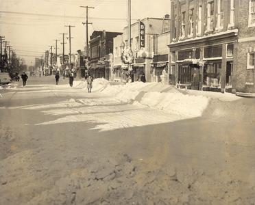 Washington Street winter scene, 1940s