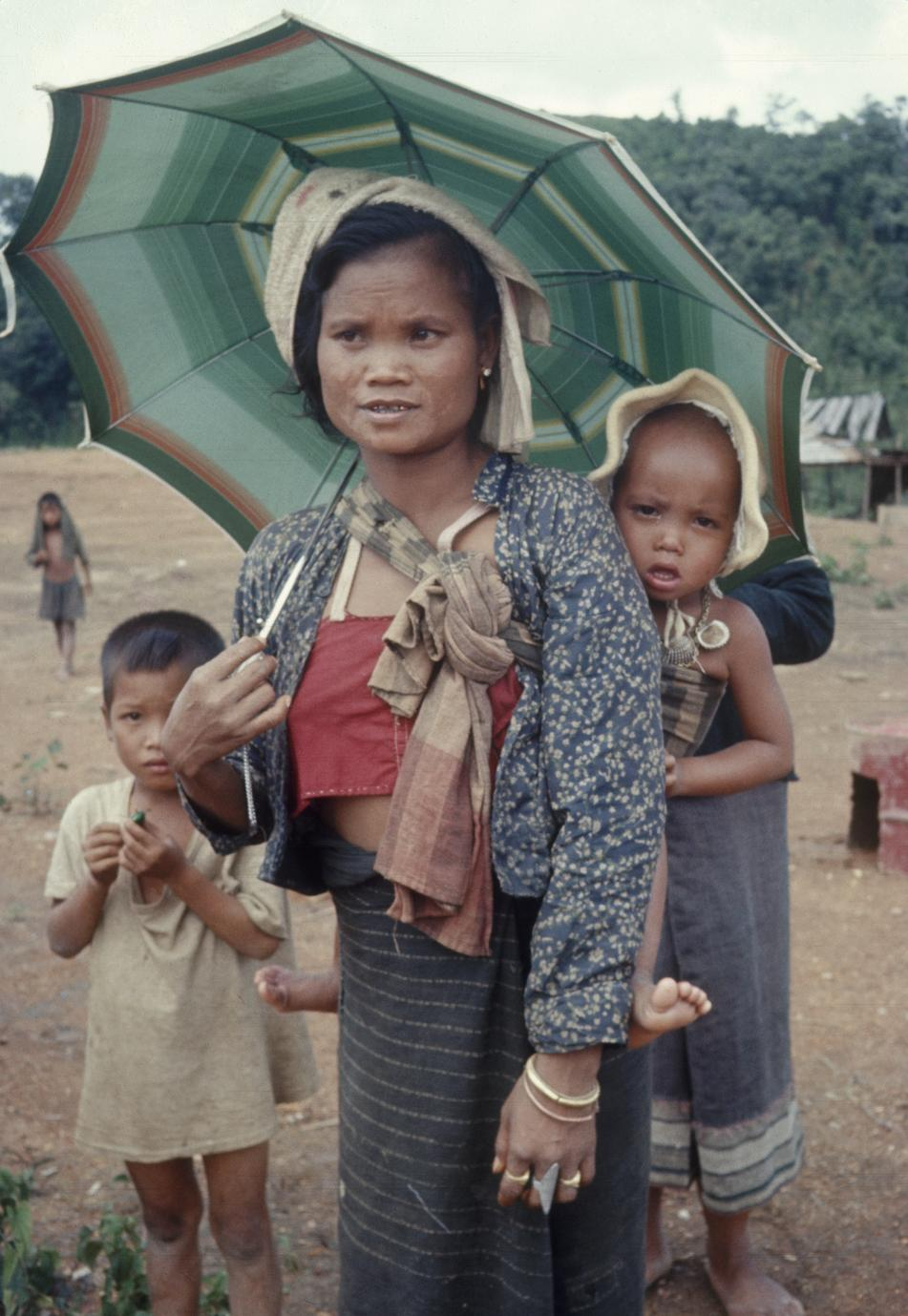 Ethnic Khmu' woman with child
