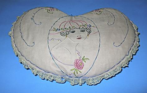 Flapper profile pillow