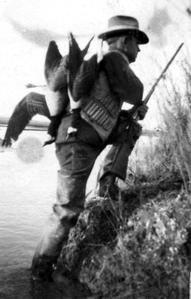 Goose hunting, Rio Grande River, December 1923