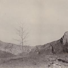 Lake cliff at Two Creeks