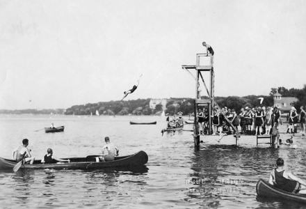 Diving competition, Lake Mendota