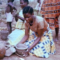 Making Pottery at Kwilu