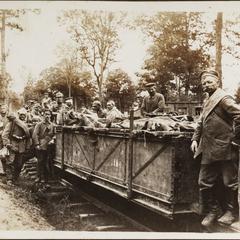 Verwundeten Transport in Thilwald bei Verdun