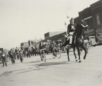 Homecoming parade, 1930