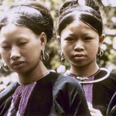 Two Lanten women in traditional dress in Houa Khong Province