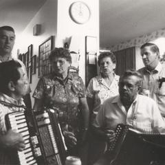 Local Centers/Global Sounds : Historic Recordings and Midwestern Musical Vernaculars