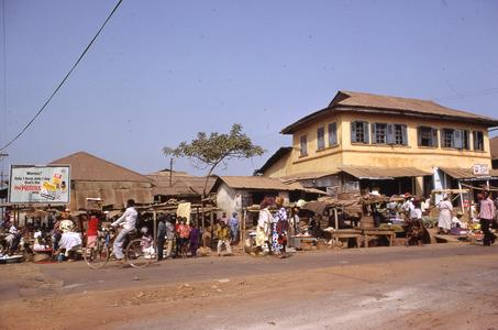 Quarter market in Okesha