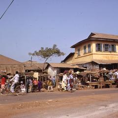 Quarter market in Okesha