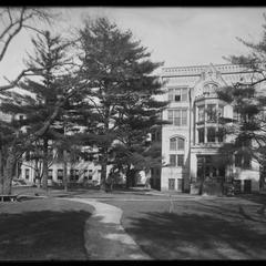 Kemper Hall gymnasium - Simmons