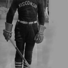 UW men's hockey player, Murphy