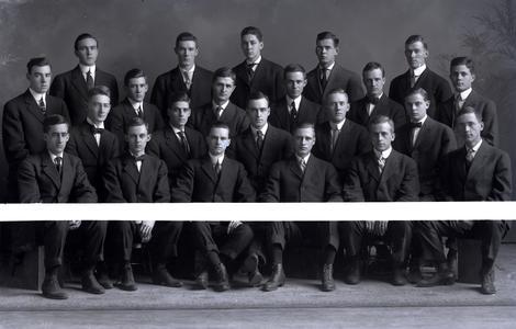 Fraternity Alpha Delta Phi, 1908
