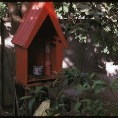 Tai Dam village : shrines rented from Chinese