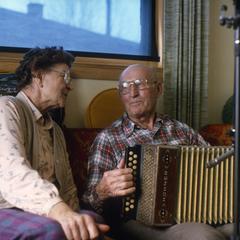 Oscar Kreiziger plays button accordion