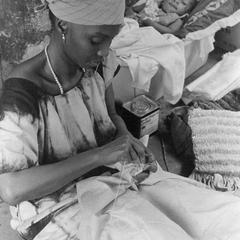 Mama Jah, Head of Tie-Dyeing Business in Port Loko, Making Pleats