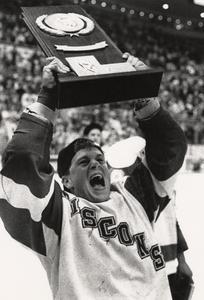 Rob Andringa with trophy