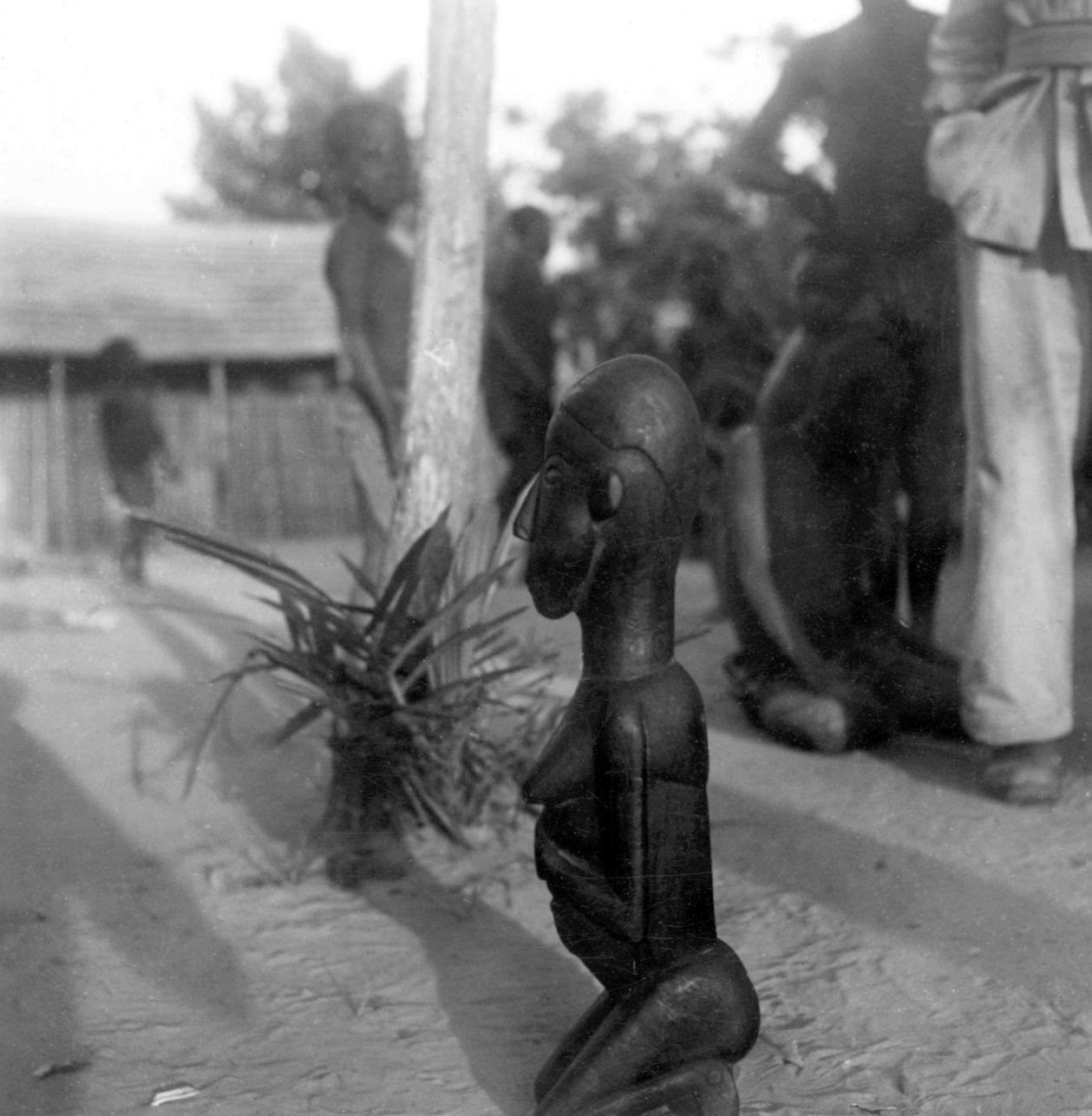 Unique Kuba-Mbengi Statue Carved by Artist for His Deceased Sister