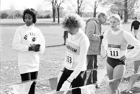 Women cross county runners