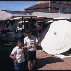 Morning Market : children