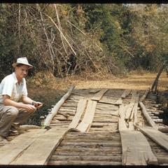 On Lao-style bridge