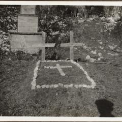 Das Grab des Ltn. Händelmeier u. Uffz. Schlosser † 10.1917 bei Wolschach i. Italien