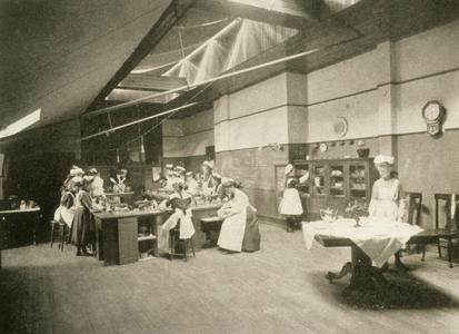 Women in cooking class