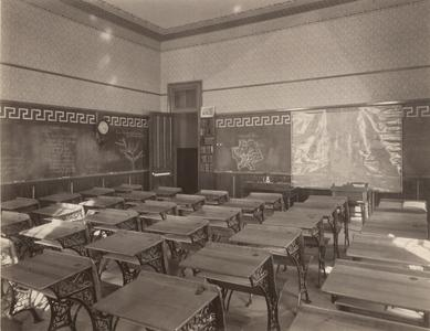 River Falls Normal School recitation room for the English language and general history