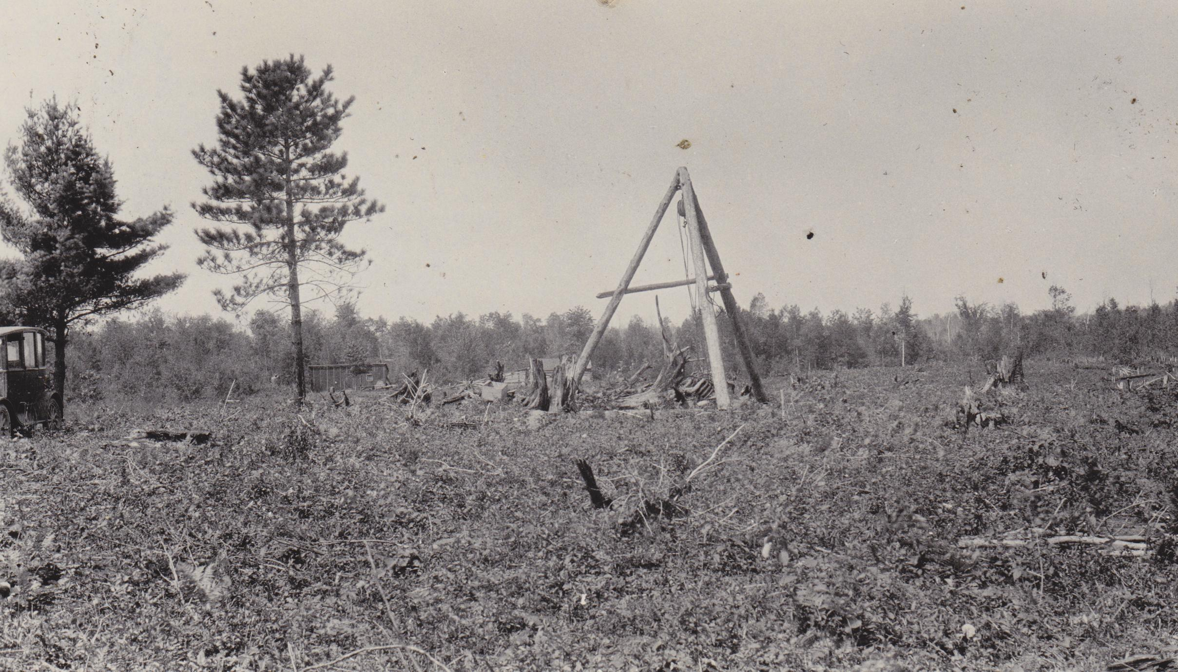Dynamite stump puller