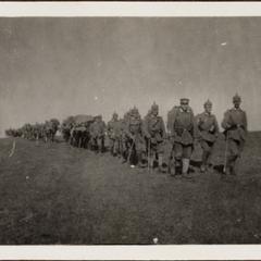 3. Zug. M G K. I. L. R. auf dem Vormarsch in Rumänien