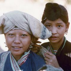 Two Yellow Lahu (Lahu Shi) girls in Houa Khong Province