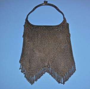 Soldered ring mesh bag with Vandyke fringe