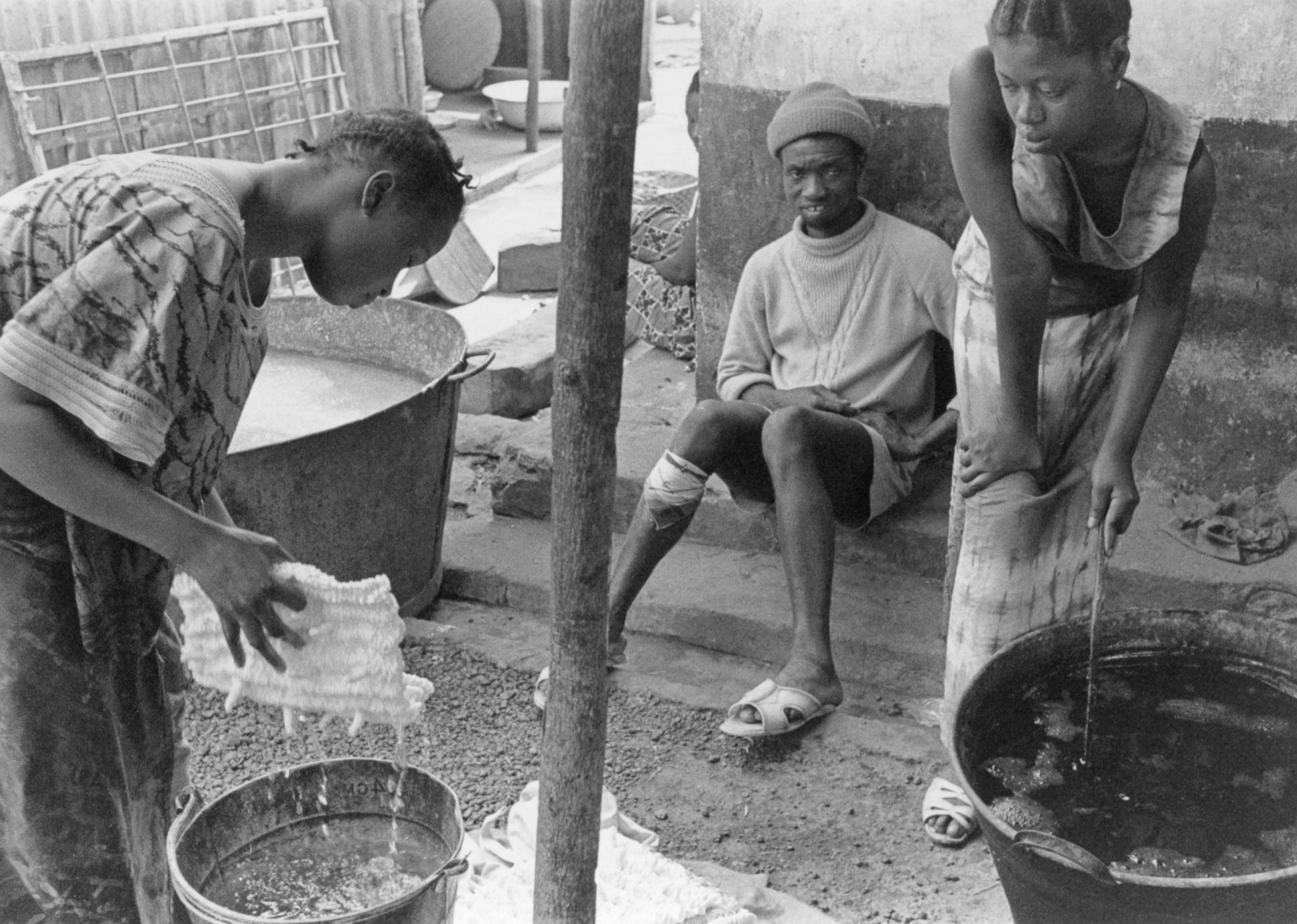 Wetting Tied Cloth Before Dyeing