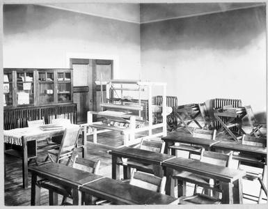 Weaving room in Lathrop Hall
