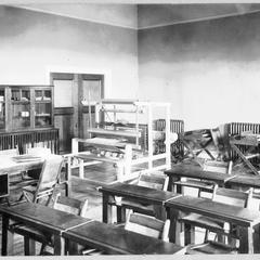 Weaving room in Lathrop Hall