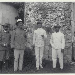 Capt. Squier, Commanding Officer General Greely, Presidente Argas and others, Cebu, 1900-1901